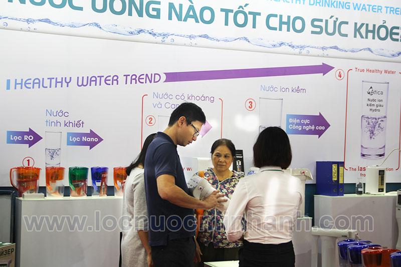 Máy lọc nước ion kiềm giàu hydro được Minh Anh water giới thiệu tại Vietbuild