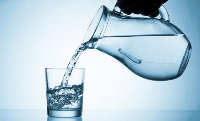 Nước đun sôi để nguội chỉ nên uống trong vòng 24h để tránh nhiễm khuẩn