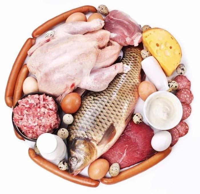 nguồn cung cấp sắt cho trẻ là thịt cá hải sản